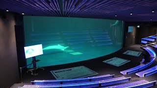 シロイルカパフォーマンスプール (島根県立しまね海洋館 アクアス) 2019年12月2日