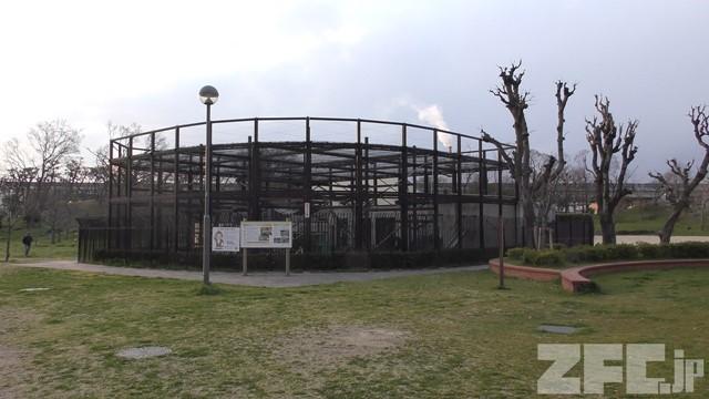 大浜公園 猿飼育舎